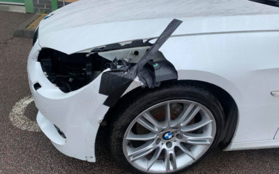 BMW in Pearl White Accident Damage Repair